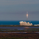 Falcon 9 / CRS-8 Launch: Falcon 9 Liftoff