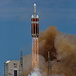 Delta IV Heavy / NROL-37 (Jared & Dawn Haworth): Delta IV Heavy has cleared the tower!