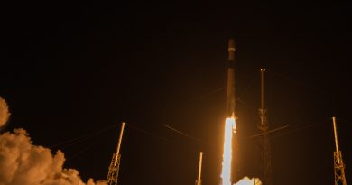Falcon 9 launches Merah Putih on August 7, 2018.  Photo credit: Mary Ellen Jelen / We Report Space