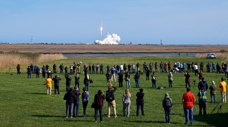 NG-11 Launches from Virginia's Mid-Atlantic Regional Spaceport.  Photo credit: Jared Haworth / We Report Space
