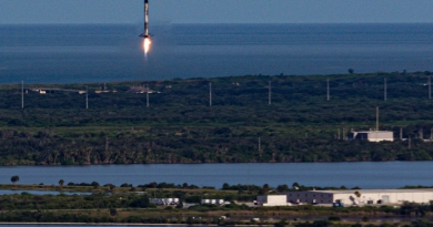 SpaceX's Falcon 9 prepares to touch down at LZ-1, Cape Canaveral Air Force Station.  Photo credit: Bill Jelen / We Report Space