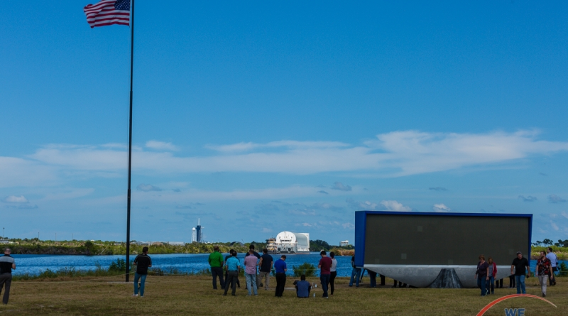 Workers from Jacobs watch the Core Stage Pathfinder arrive at KSC. Photo credit: Bill Jelen / We Report Space