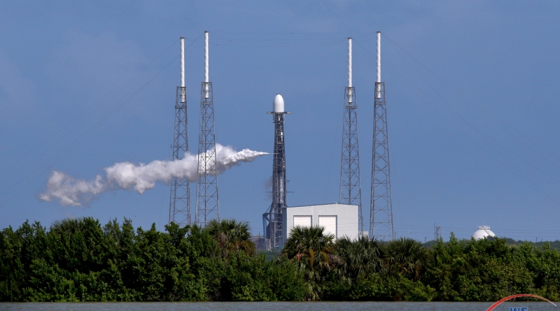 SpaceX's Falcon 9 rocket venting during final fueling.  Photo credit: Michael Howard / We Report Space.